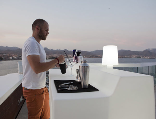 Barra de bar Sicilia con luz