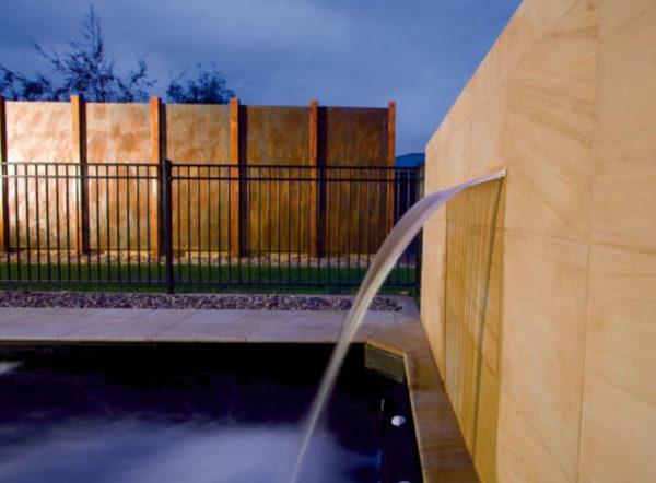 Cascada de agua Silkflow AstralPool para piscina