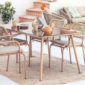 Set Arhiza de 4 sillas y mesa de jardín de Sklum marrón
