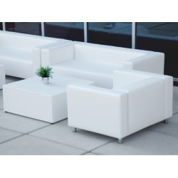 Sofá blanco de una plaza